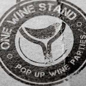 One Wine Stand Logo